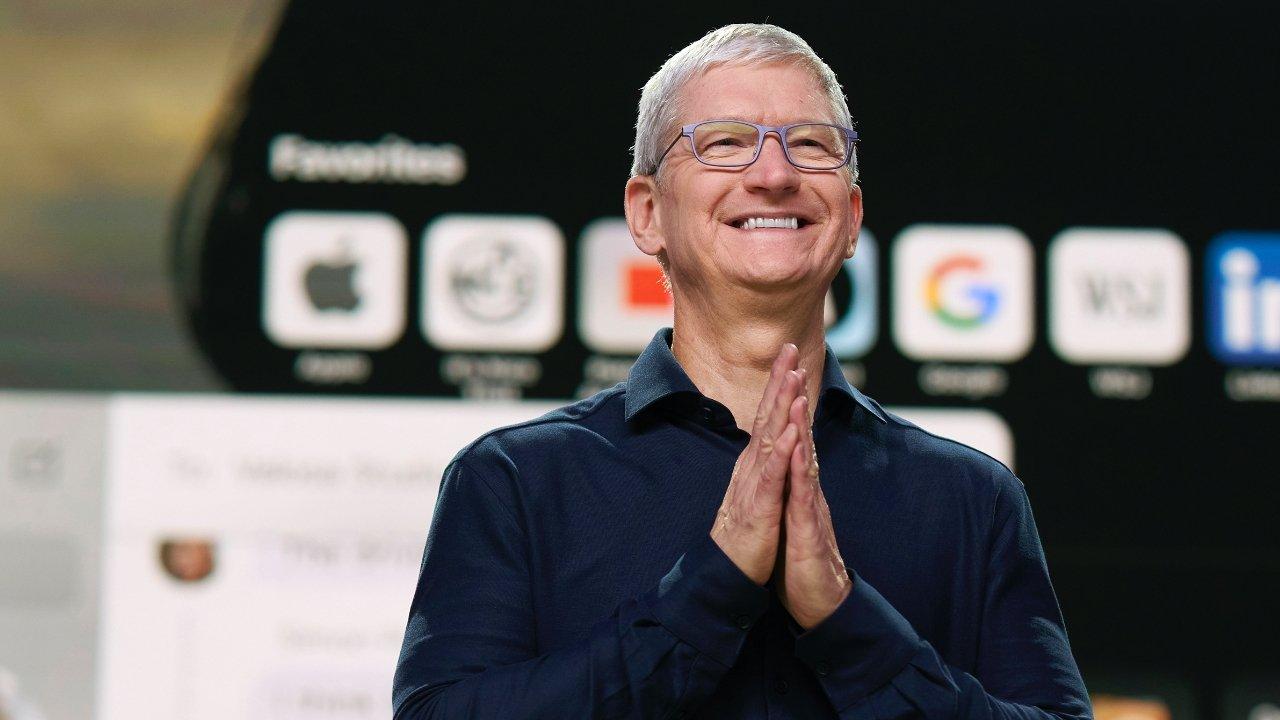 Tim Cook, CEO of Apple. LGTBQ+ tech pioneers.