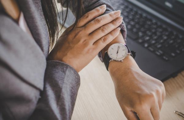 Hiring process tips: don't keep candidates waiting!